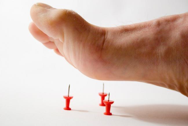 Hormigueo o parestesias en el pulgar o el brazo